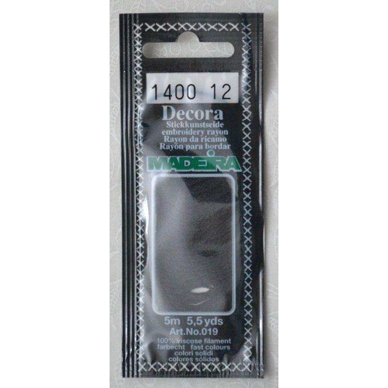 Butika.hu hobby webáruház - Madeira Decora osztott hímzőfonal - 1400 - fekete